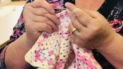 Pont-à-Celles : ils tricotent des vêtements d'hiver pour les plus démunis
