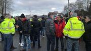 Le personnel et les syndicats veulent mettre la pression sur la direction en paralysant partiellement le site louviérois.