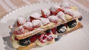 Eclairs aux fraises et à la rhubarbe et feuilletés aux fruits rouges