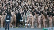 Plus de 6.000 Colombiens posent nus pour la paix