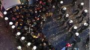 Photo prise par un riverain dans la rue Sainte Catherine. Les forces de police prennent les manifestants en nasse.