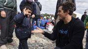 Crise des migrants - Orlando Bloom auprès de migrants à la frontière gréco-macédonienne