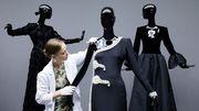 Givenchy expose ses robes et son amour pour Audrey Hepburn