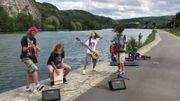 """[Zapping 21] Ils reprennent """"Master Of Puppets"""" de Metallica… au bord de la Meuse"""