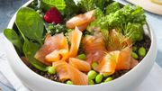 Recette : poké-bowl au saumon et légumes de saison