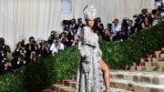 Rihanna prépare-t-elle une marque de vêtements de luxe?