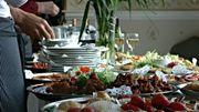 Theresa Doyle, 65 ans et pilleuse professionnelle de buffets de funérailles