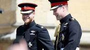 """Le prince Harry et le prince William publient une déclaration conjointe niant les """"allégations d'intimidation"""""""