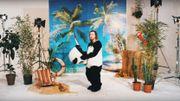 Encore du très grand Julien Doré dans le clip de 'Coco Câline'