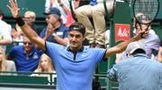 Federer se qualifie facilement pour la finale à Halle