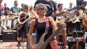[Zapping 21] 100 musiciens reprennent AC/DC sur l'île de la Réunion