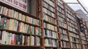 Les livres sont mélangés, à l'image des citoyens de tous genres qui vivent les uns à côté des autres