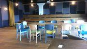 La direction d'Ores a expliqué avoir chercher à créer un espace où les travailleurs se sentent chez eux.  Le personnel a donc pu participer au choix du mobilier qu'il souhaitait voir installé dans l' entreprise.