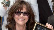 L'actrice Sally Field reçoit son étoile sur Hollywood Boulevard