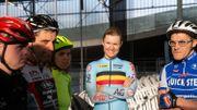 Jolien D'hoore donne un 'clinic' aux coureurs cyclistes de Special Olympics