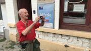 Toujours le sourire aux lèvres, Francis fait le Meyboom depuis 1983 et dispose de plusieurs milliers de photos de l'événement