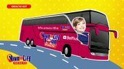 À la découverte du bus du Viva for Life Tour avec Fanny Jandrain
