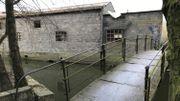 La passerelle, très vétuste, derrière les anciennes usines Saint-Roch qui sera remplacée