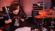A 5 ans seulement, ce jeune batteur reprend Muse, Royal Blood et Ghost avec beaucoup d'aisance