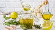4 recettes de vinaigre aromatisé pour donner du peps à vos salades