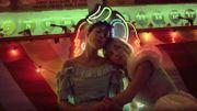 """Hasley danse dans une fête foraine onirique dans le clip de """"Graveyard"""""""