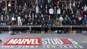 Tous les acteurs et réalisateurs des films Marvel dans une incroyable photo
