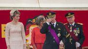 Le roi Philippe aux côtés de la reine Mathilde à la tribune d'honneur.