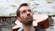 """Antoine Armedan joue son single """"Ensemble c'est tout"""" en live confiné"""