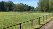 L'ancien terrain de football de Ways fait partie de cet espace vert situé à quelques centaines de mètres du centre de Genappe.