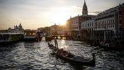 Coronavirus : Venise se remet timidement en marche