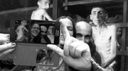 """""""Yolocaust"""" : Auschwitz, les selfies et le devoir de mémoire"""