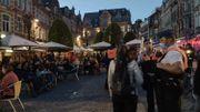 Déconfinement à Louvain : la police ferme la place du Vieux marché (Oude Markt) en raison de la forte affluence