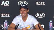 """Un Rafael Nadal taquin """"grille"""" un journaliste assoupi en conférence de presse"""