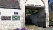 A Ragnies, des gîtes ont été aménagés dans une dépendance du château