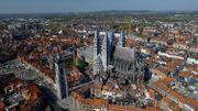 Sortie de la procession de Tournai en souvenir de la peste