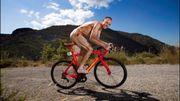 69 kg de muscles : Froome pose nu et se sent ridicule devant le miroir