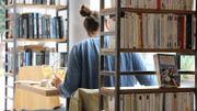 Les livres vous regardent et vous regardez les livres