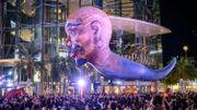 Les ballons géants représentant des personnages mythiques ont survolé Bangkok.
