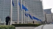 Le siège de la Commission européenne à Bruxelles a mis en berne les drapeaux cet après-midi