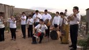 Au Paraguay, un orchestre joue avec des instruments recyclés