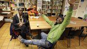 Bilal (en vert), initiateur d'un débat long et chatoyant sur la précarité présente à Uccle.