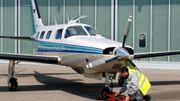 Un Piper PA-46 Malibu, le modèle d'avion dans lequel se trouvait Emiliano Sala. Il s'agit ici d'un appareil photographié le 16 mai 2005 sur le tarmac de l'aéroport de Stuttgart, en Allemagne.