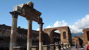 Le fragment d'une fresque de la maison de Neptune dérobé à Pompéi