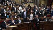 Les élus du parti populaire, du PSOE et de Ciudadanos ont quitté le parlement peu avant le vote.