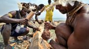 Reconstitution de la sculpture traditionnelle asmat