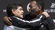 """""""Je t'aime, Diego"""", l'ultime hommage de Pelé à Maradona"""