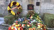 Les gerbes déposées en hommage aux défenseurs du Fort de Hollogne