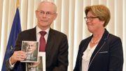"""Le Président du Conseil européen Herman Van Rompuy présente son livre """"L'Europe dans la tempête"""""""