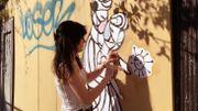 """The Masquarade Ball"", l'œuvre touchante d'une street-artiste bruxelloise"