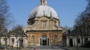 Aujourd'hui encore, la Basilique Notre-Dame de Montaigu accueille de nombreux pèlerins.